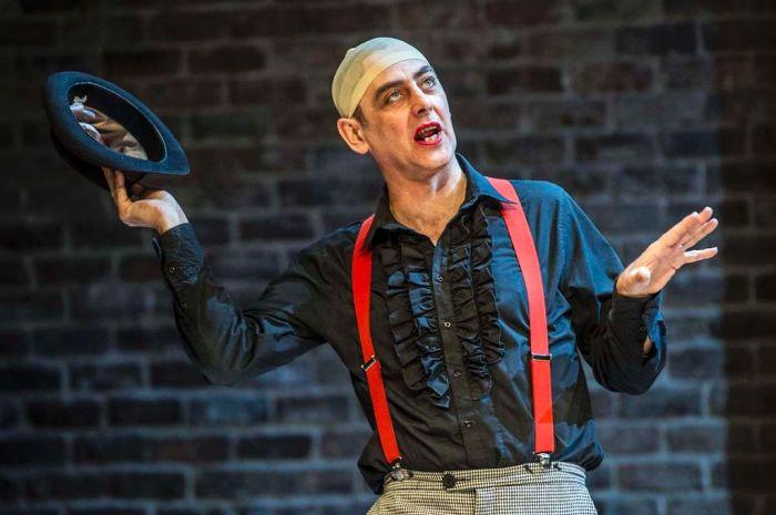 Paul Duckworth as Feste Photo by  James Maloney